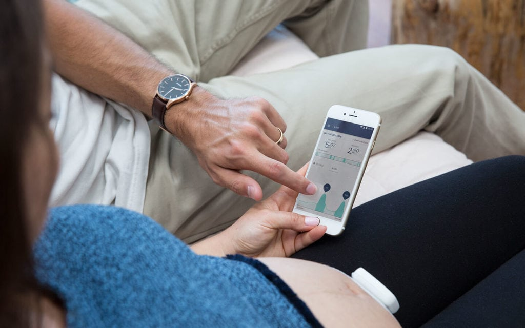 Contraction Monitoring App bloomlife pregnant belly